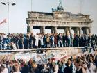 Chute du Mur de Berlin, Le Sénat, droits réservés